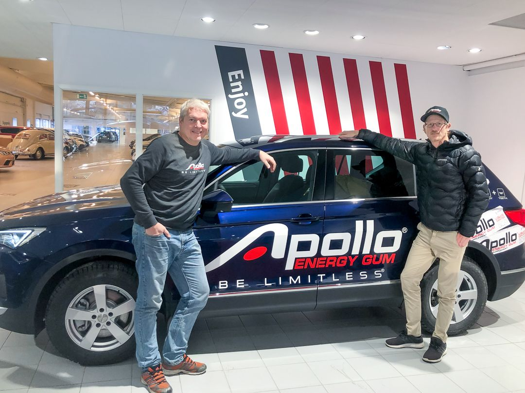 Mathias Åström (right) and Magnus Lindblad with the new Apollo Branded Car