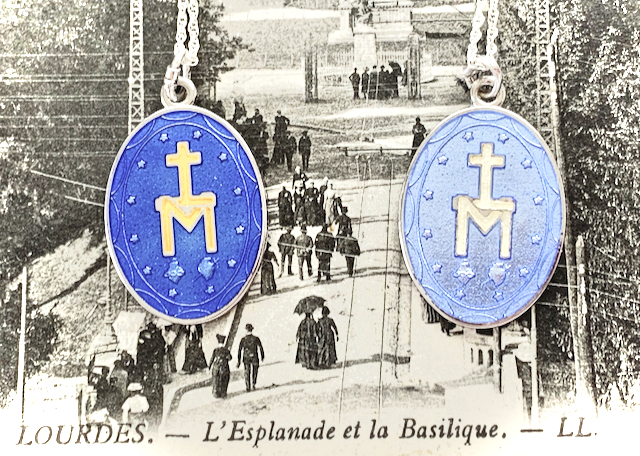 Medals from New RÉVEIL DU PÈLERINAGE Collection